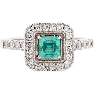 No-oil Russian Emerald 18 Karat Gold Diamond Engagement Fashion Ring