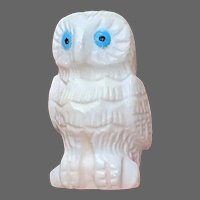 Vintage Zuni Snowy Owl Fetish in Alabaster by Christine Banteah