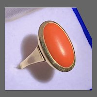 Vintage Large Oval Coral in 14K Yellow Gold Ring, Size 7.75