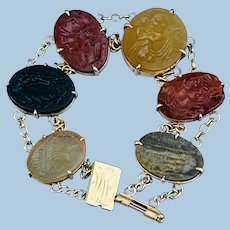 Bracelet of hardstone cameos, Late Victorian