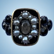 Lovely black enamel, mourning ring with hair, Victorian