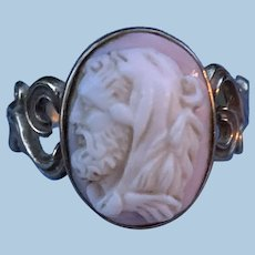 Angelskin Coral Cameo Ring, 9 carat