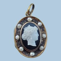 Hardstone Cameo Locket, 18 ct, Natural Pearls, Georgian