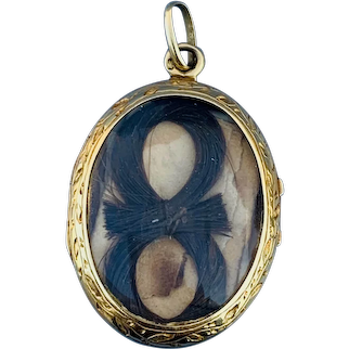 18 carat gold, French locket , memorial, with hair, Victorian