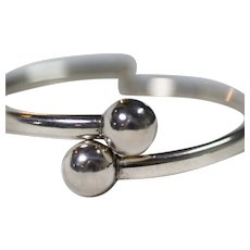 Sterling Silver Bypass Ball Clasp Hinged Bangle Bracelet
