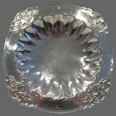 "1930's Mappin & Webb sterling silver centerpiece footed fruit bowl 750gr ""bunch of grapes"""