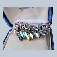 SPARKLING Vintage 50s Brooch,GLITTERING Blue Pink Gold Aurora Borealis Glass Stones,Lovely Rhinestone Pin,Leaf Motif Pin,Collectible Jewelry