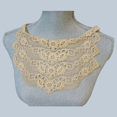 ANTIQUE French Lace Ladies Collar, Intricate Floral Lace Pattern, Mixed Lace, Bridal Gown Lace, Vintage Clothing,Collectible Vintage Lace