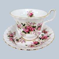 VINTAGE Royal Albert English Bone China Teacup and Saucer,Lavender Rose Pattern,Charming Pink Roses Cup and Saucer,Collectible Vintage Teacups