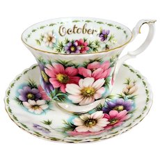 PRETTY Royal Albert English Bone China Teacup and Saucer,Flower of The Month Series,Cosmos Flowers,Pedestal Cup,Collectible Vintage Teacups
