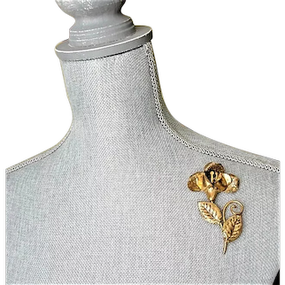 Vintage STATEMENT Gold Metal Brooch, Pin for Hat,Scarf, Blouse,Dress, Coat or Jacket ,Large Flower Brooch, Collectible Vintage Jewelry