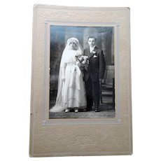 CHARMING Antique Wedding Photo,Trailing Floor Length Veil,1910-20s Bridal Dress,Cute Couple,Taunton Mass Photo Studio,Collectible Antique Photographs