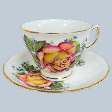 LOVELY Vintage Teacup and Saucer Royal Vale English Bone China Lush  Rose Pattern, Vintage Cup and Saucer Tea Time Cups and Saucers Bridal Gifts Collectible Teacups