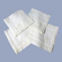 LOVELY Linen Napkins Set,Luncheon Tea Time Size,Set of 4 Napkins,Collectible Vintage Linens