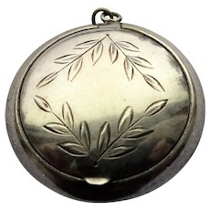 BEAUTIFUL Antique Powder Compact Pendant,Engraved Leaves Compact, Small Compact, Nickel Silver,Vintage Jewelry, Collectible Powder Compacts
