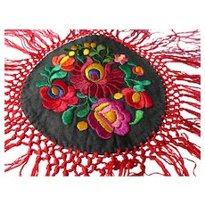 1920s BOHEMIAN Doily Centerpiece,Hungarian Matyo Dramatic Hand Embroidery,Colorful Ethnic Textile,Decorative, Euro Chic, Boho Decor, Collectible Doilies
