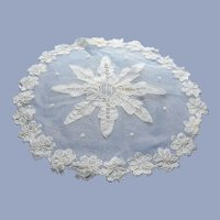 BEAUTIFUL Antique French Lace Centrepiece Doily,Netted Lace,Applique and Needle lace Embroidery,Lovely Workmanship,Collectible Lace Doilies
