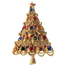 FESTIVE Vintage Christmas Tree Brooch, Christmas Tree Pin,Sparkling Rhinestones and Gold Tone Metal Brooch, Collectible Jewelry