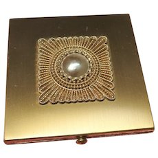 GORGEOUS Vintage Wadsworth Powder Compact,Faux Mabe Pearl Lid,Purse Compact,Elegant Design,Vintage Powder Compact,Collectible Compacts