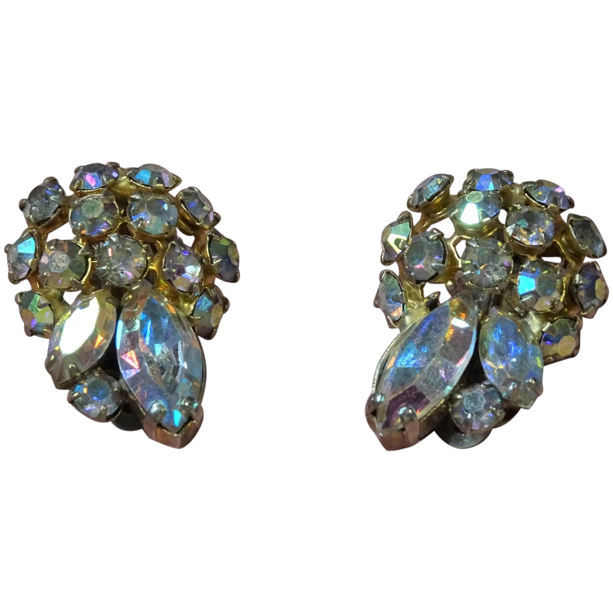 Lovely Crystal Heart Aurora Borealis Dangle Clip-On Earrings Circa 1950/'s Vintage CRYSTAL HEART EARRINGS Excellent Vintage Condition!!