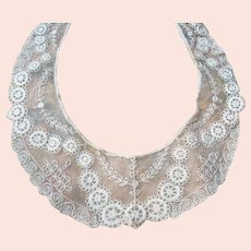 BEAUTIFUL Antique French Netted Lace Collar,Intricate Lace Pattern,Tambour Embroidery,Downton Abbey Great Gatsby Flapper Bridal Lace,Collectible Lace