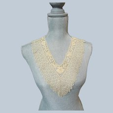 BEAUTIFUL French Netted Lace Collar and Cuffs,V Neck,Wide Lace,2 different Laces,Bridal Lace, Fine Heirloom Sewing, Collectible Antique Lace