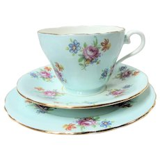 CHARMING Aynsley English Bone China Teacup And Saucer Trio,Cheerful Robin's Egg Blue Chintz Roses Teacup and Saucer and Dessert Plate,Cup and Saucer,Collectible Vintage Teacups
