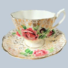 BEAUTIFUL Queen Anne Teacup and Saucer,Lush Pink ROSES English Bone China Tea Cup Set Vintage Wedding gift
