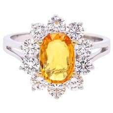 18K Gold Ring with Yellow Oval Sapphire and White Diamonds