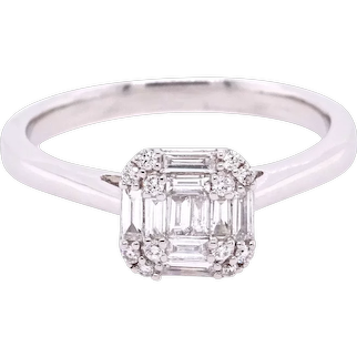 18K Gold Ring with Baguette White Diamonds