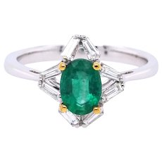 18K Gold Ring with Baguette White Diamonds and Emerald