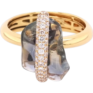18K Gold Ring with Uncut Centre Sapphire and White Round Diamonds