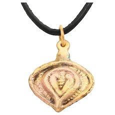 Fine Viking Heart Pendant C.900-1000 AD