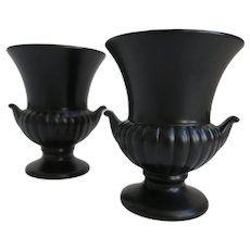 Pair Of Wedgwood Ravenstone Medici Urn Vases 3.25 inch