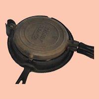 Vintage Stover Junior 8 Cast Iron Toy Waffle lron
