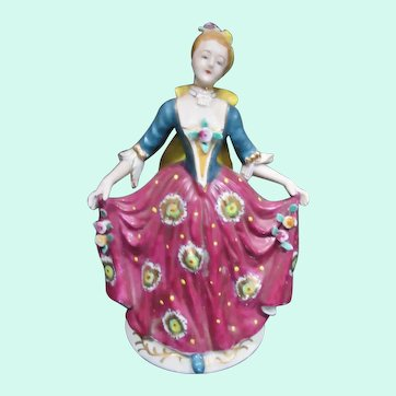 Pretty Vintage Hand Painted Porcelain Lady Figurine, Occupied Japan