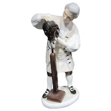 "Royal Doulton Retired Figurine HN 2239 ""Wigmaker of Williamsburg"""
