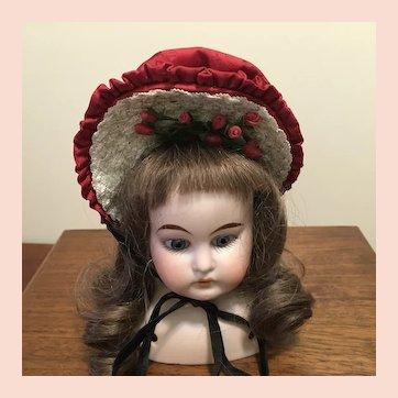 Wonderful  vintage bonnet.