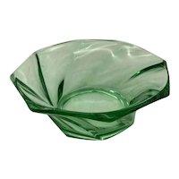 Heisey Glass Twist Moongleam Nappy/Bowl