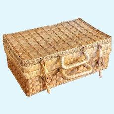 Wicker doll case picnic basket hamper