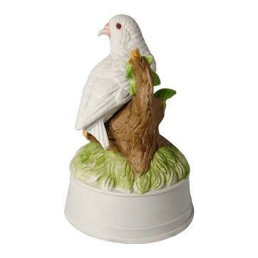 "Lovely Music Box in the form of a Dove, plays ""Edelweiss"""
