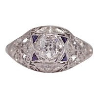 Sale! Resplendent Art Deco 0.70ct Diamond Filigree Engagement Ring in Platinum