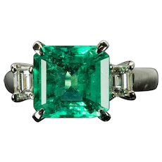 Forest Green Colombian Emerald & Diamond Three Stone Ring in Platinum