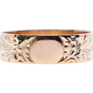 Victorian Hand Engraved Floral Cala Lily Wedding Band in 14K Yellow Gold