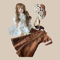 "Sweet cabinet size  Schoenau & Hoffmaister PB 1909 17"" Antique Doll"