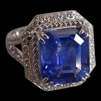 9ct Unheated Cornflower Blue Sapphire Emerald Cut 18k