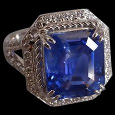9ct Unheated Cornflower Blue Sapphire Emerald Cut 18k