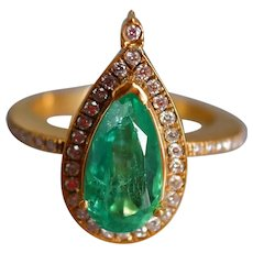 Pear Cut Emerald Halo Ring 18k Colombian