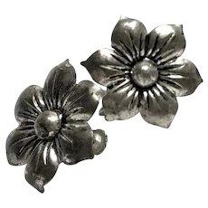 Vintage Old Sterling Silver Floral Screw Back Earrings