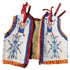 Antique NATIVE AMERICAN SIOUX INDIAN Beaded front & back hyde Child's Vest